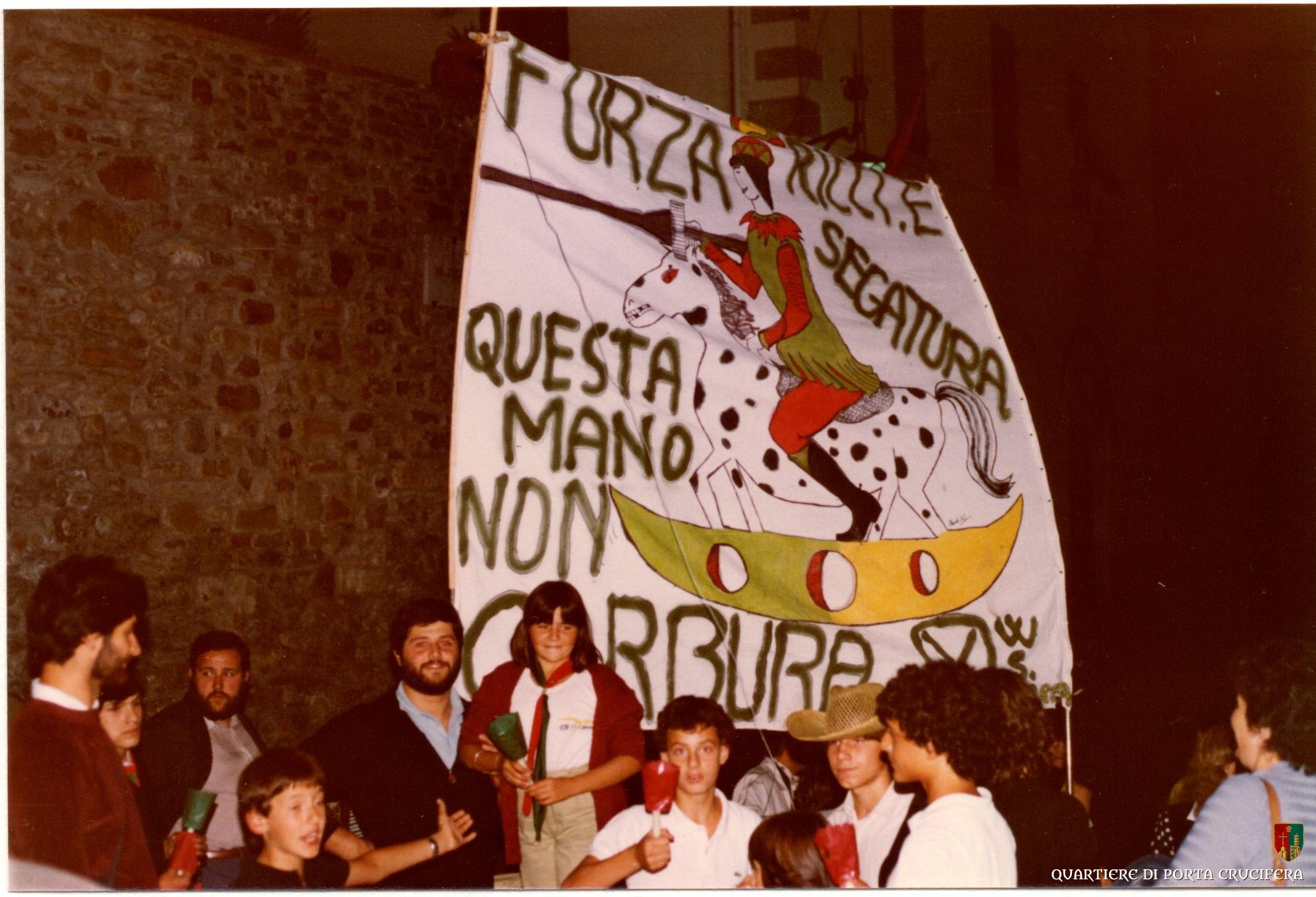 08 - 1980 - Festa Cappotto - Cirenei Angiolo - Rodolfo Raffaelli con cartello sottratto a SantAndrea